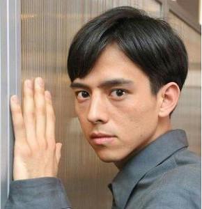 満島真之介髪型2