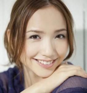 豊田エリー歯2