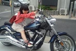 悠木碧バイク2