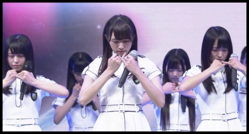 欅坂46衣装